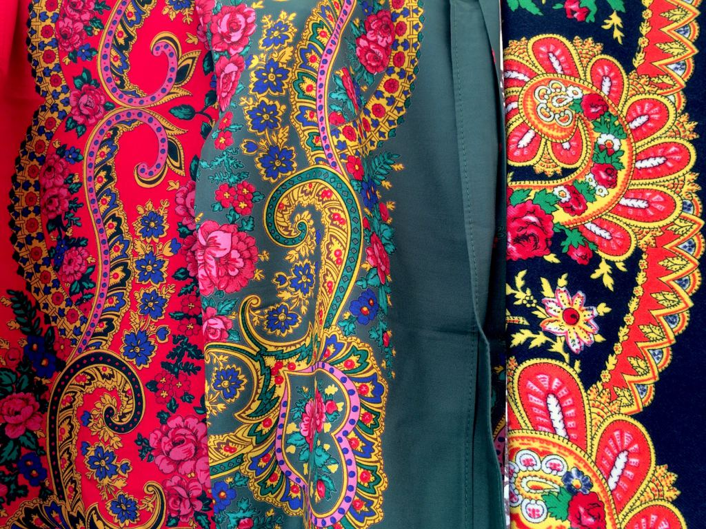 Portugese-traditional-scarves